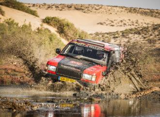 Studenten TT-Instituut finishen in Morocco Desert Challenge